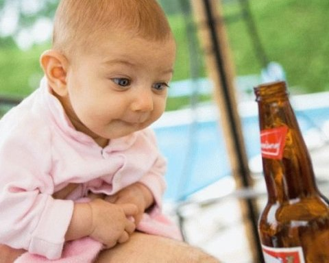 Горе-матір, яка поїла малюка пивом, розлютила мережу