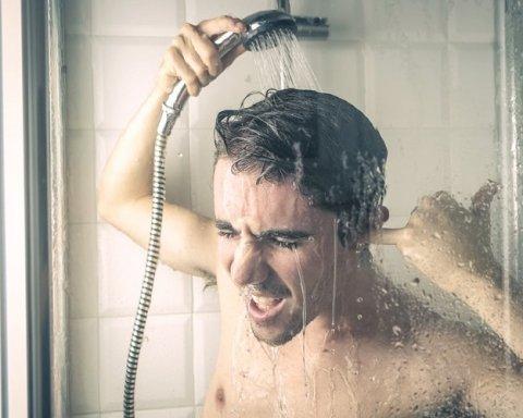 Врачи запретили людям ежедневно мыться: три самые важные причины