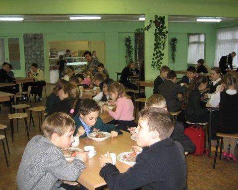 В украинских школах изменят требования к питанию: что следует знать
