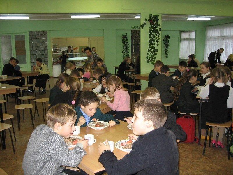 Українців приголомшили порушеннями у шкільній їдальні