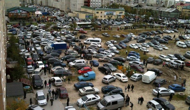 Будувати парковки всередині житлових кварталів українцям заборонять