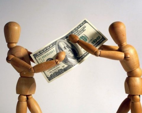 Як правильно повернути борг за розпискою: юристи пояснили