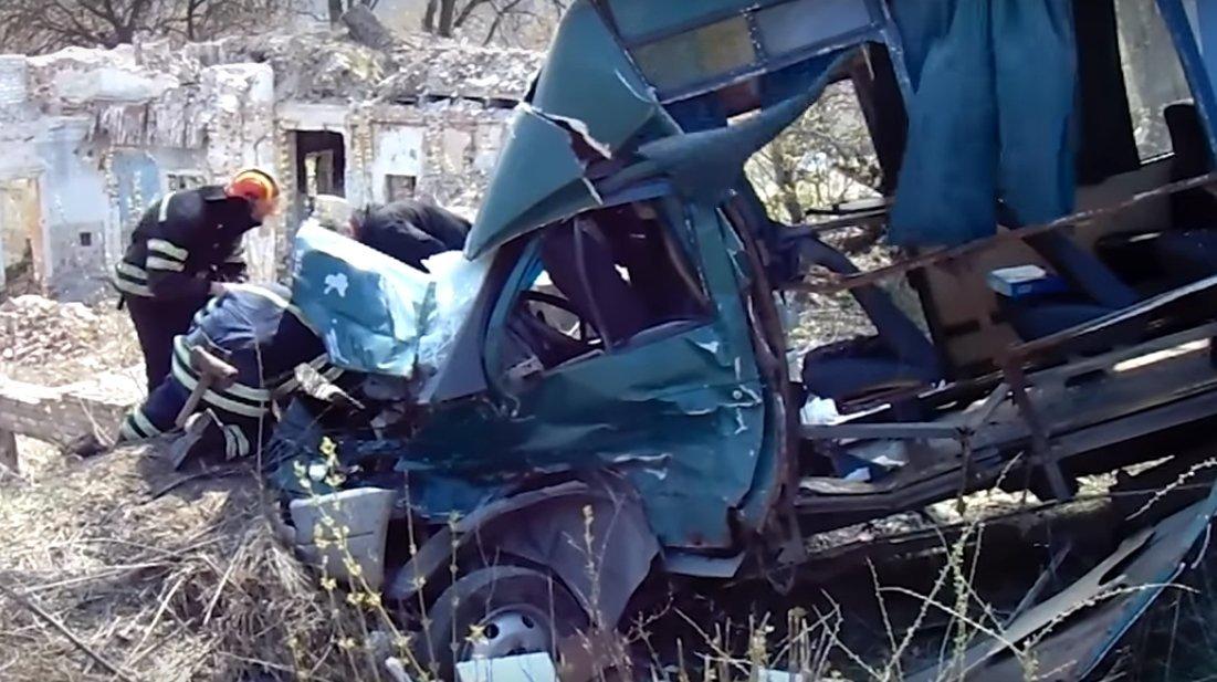 Моторошна ДТП з вантажівкою та маршруткою: 9 постраждалих