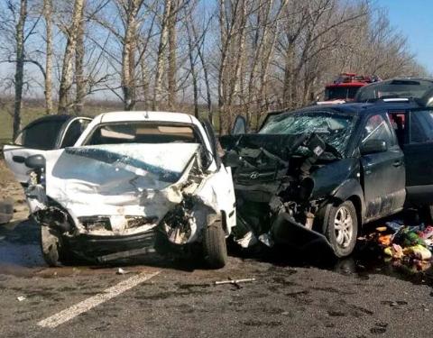 Чотири особи загинуло, ще п'ятеро – травмовані: Харківщину сколихнула моторошна ДТП