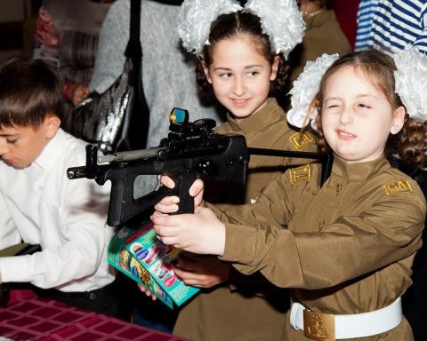 Показали, как в Крыму издеваются над детьми