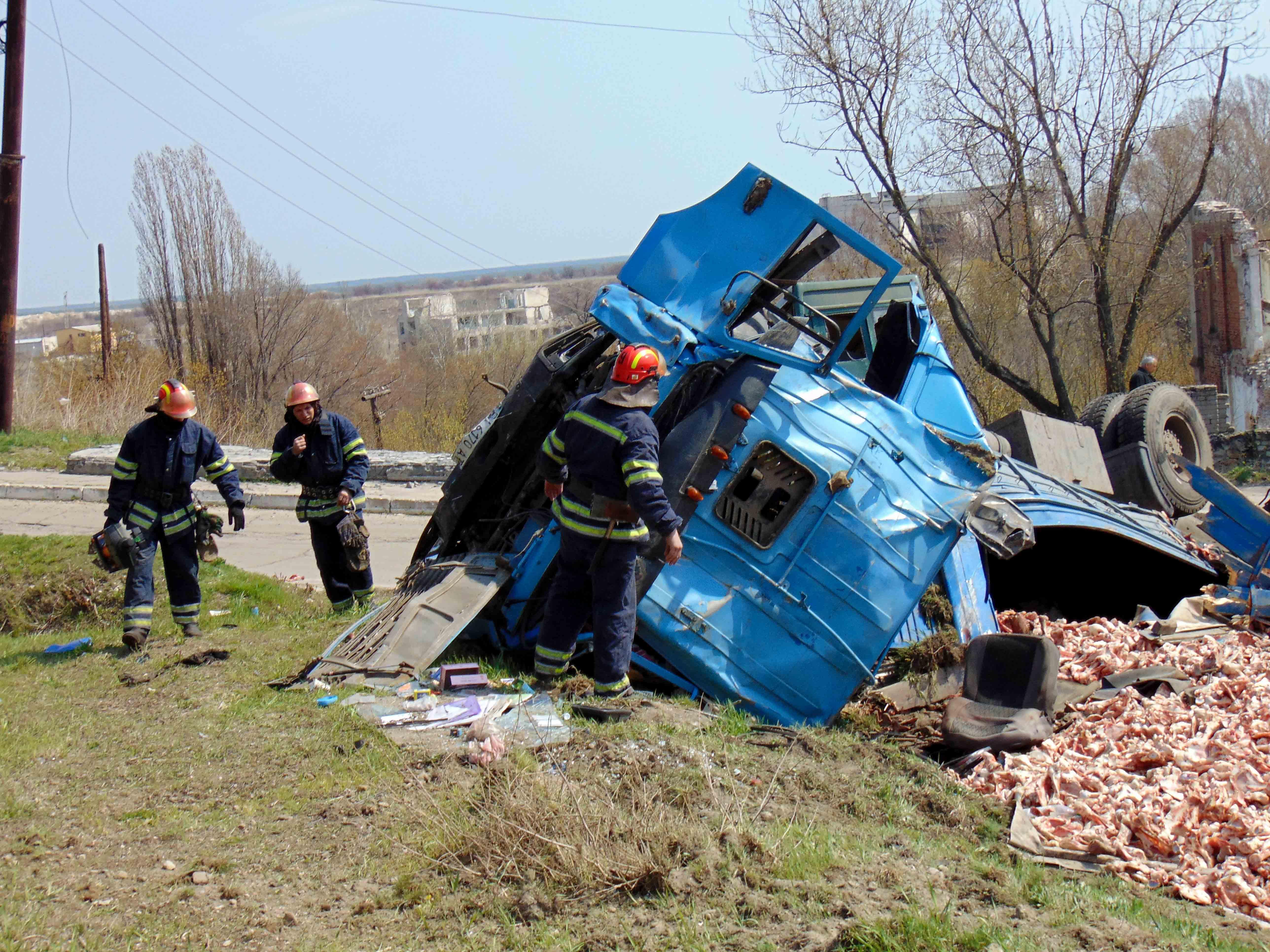 ВЛуганской обл. столкнулись фургон  скостями имаршрутка, есть пострадавшие