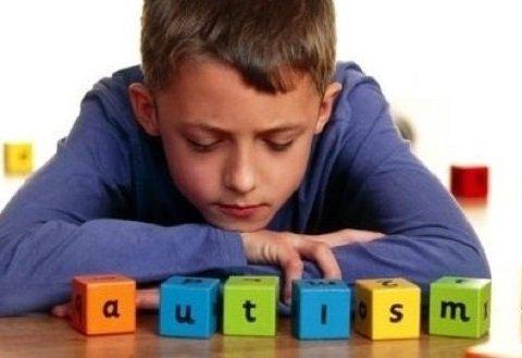 Аутизм у дитини: Комаровський назвав головні ознаки