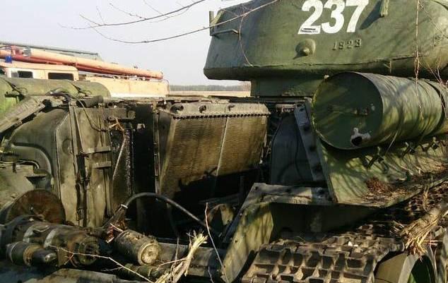Луганские боевики остались без «парадной» техники