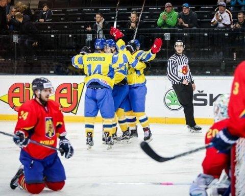 Украинские хоккеисты одержали победу в первом матче на ЧМ-2018
