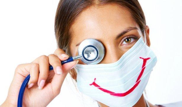 Сьогодні - День медика в Україні! Zak News вітає всіх працівників галузі охорони здоров'я з професійним святом