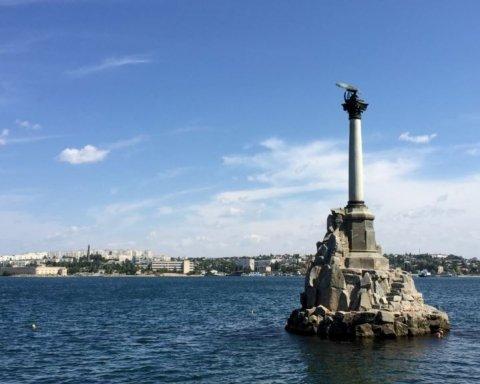 В Криму затонув підводний човен: всі подробиці НП