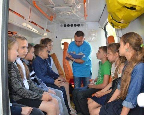 Розпилення невідомої речовини у Миколаєві: є подробиці (відео)