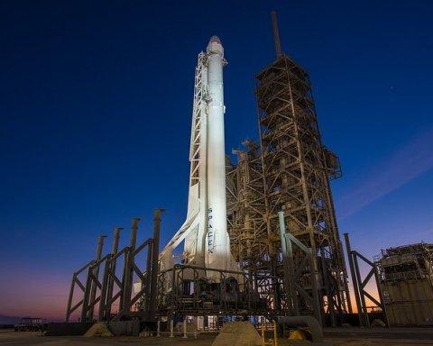 SpaceX запустила у космос ракету Falcon 9 із сімома супутниками (відео)