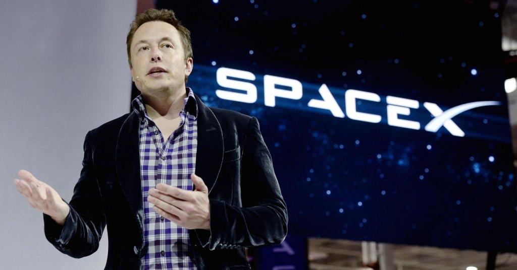 Ілон Маск показав Crew Dragon, на якому відправить людей на Марс