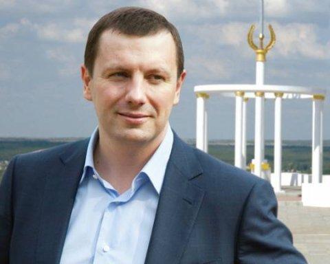 Дунаєв, подання на якого подав Луценко, має десяток фірм і кілька квартир