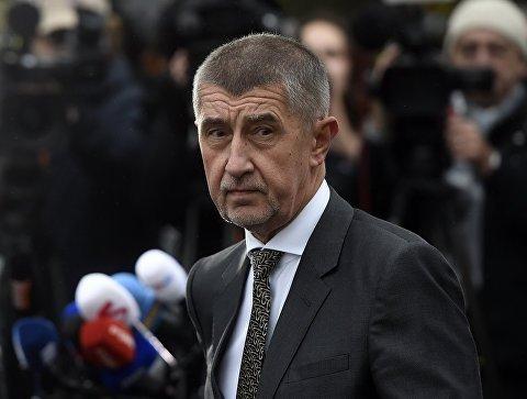 """Уряд Чехії звинуватив президента у брехні про походження скандальної отрути """"Новачок"""""""