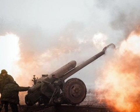 Боевики расстреляли дома мирных жителей из артиллерии