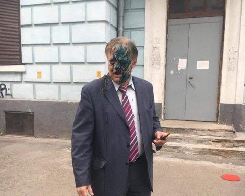 Украинские националисты «покрасили» главу Россотрудничества в зеленый цвет