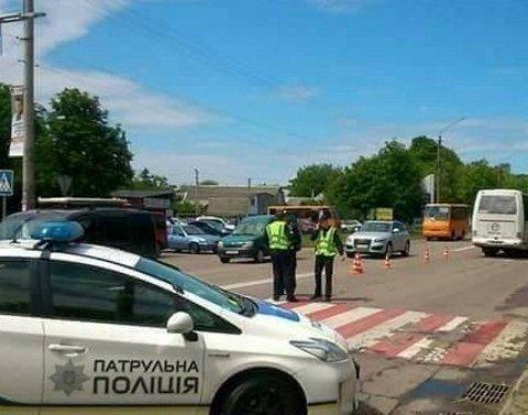 Жуткое ДТП под Киевом: девочки на роликах выкатились прямо под колеса автобуса