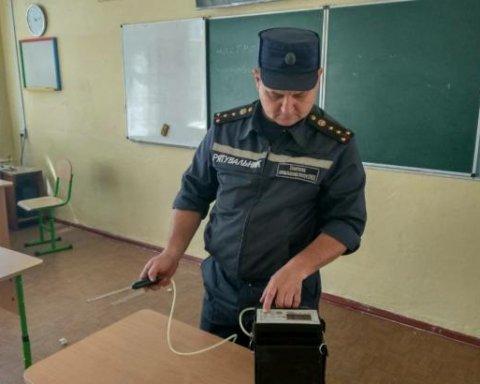 """Отруєння у Миколаївській школі кваліфікували як """"хуліганство"""""""