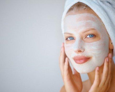 Назвали найпопулярніші маски, які шкодять обличчю