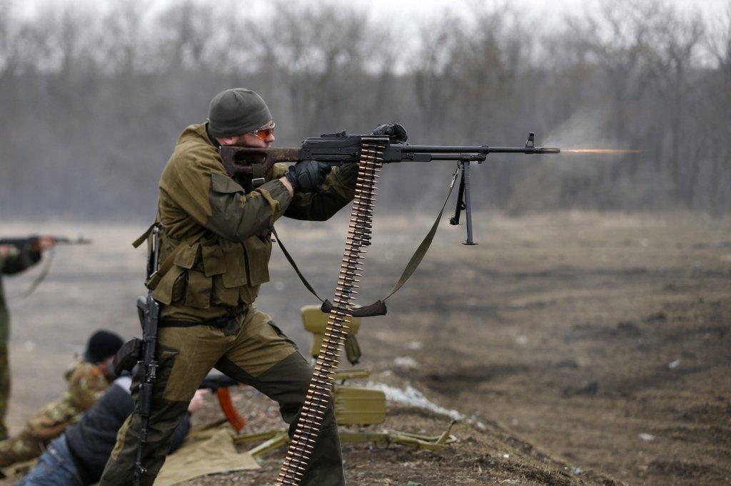 Захарченко отдал приказ уничтожить военную технику ВСУ