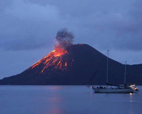 Извержение вулкана спровоцировало массовую эвакуацию с Гавайев