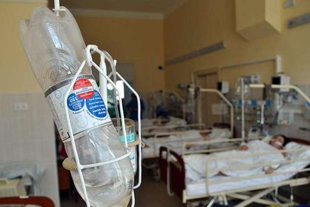 Масове отруєння на Рівненщині: госпіталізовано 57 людей