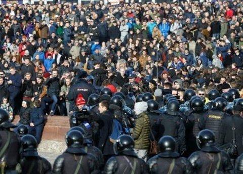 Громадянку України затримали на мітингу в Москві