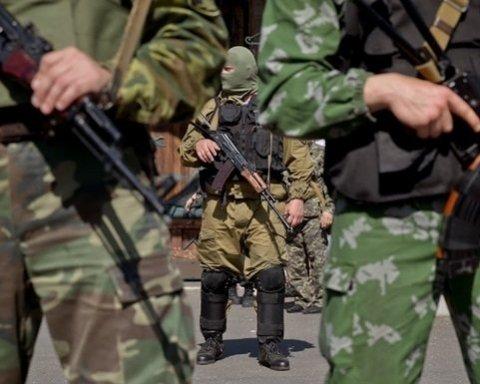 Боевики цинично прячутся за спинами мирных жителей: появились фото