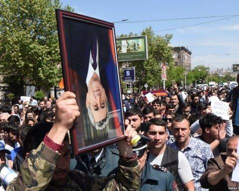 """Протести в Єревані можуть """"запалити"""" конфлікт в Карабаху"""