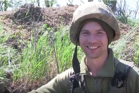 Украинские защитники трогательно поздравили матерей с передовой (видео)
