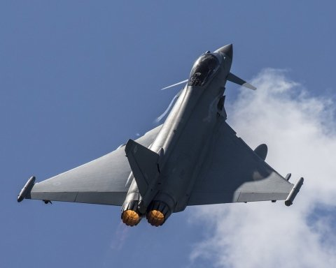Истребители НАТО перехватили российский самолет-разведчик над Черным морем