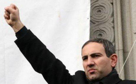 Вірмени знову вимагають посадити Пашиняна в прем'єрське крісло