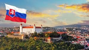 У Словаччинні українка вистрибнула з балкону гуртожитку