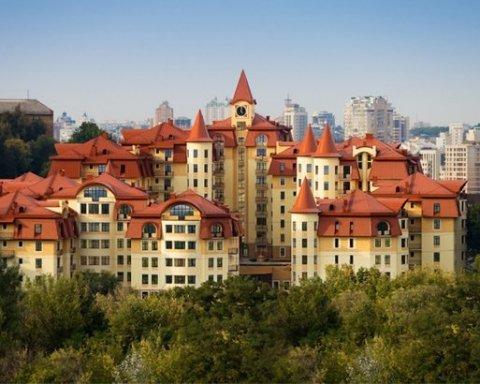 Спійманий на хабарі СБУшник має землю під Києвом і дім на 300 квадратів