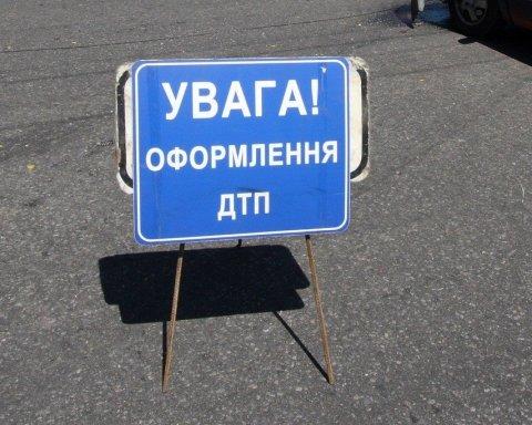 У Києві потрапив в аварію іноземний дипломат: фото з місця ДТП