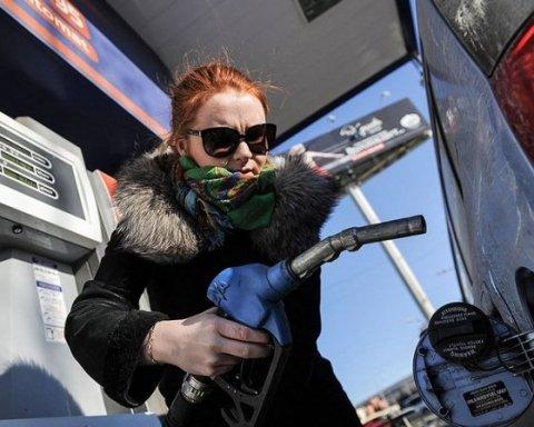 На АЗС выросли цены на бензин и дизтопливо