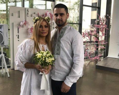 Вдруге за тиждень: стали відомі подробиці одруження нардепа Дейдея