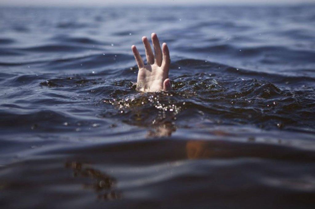 Трагедія на київському пляжі: водолази знайшли іноземця, який таємничо зник