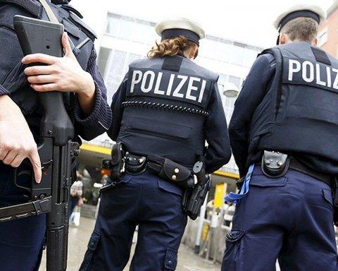 Смертельная резня в немецком поезде: копы застрелили нападавшего