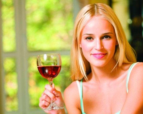 Как алкоголь влияет на психику: ученые объяснили