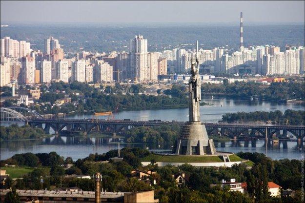 Назвали самое грязное место в Киеве