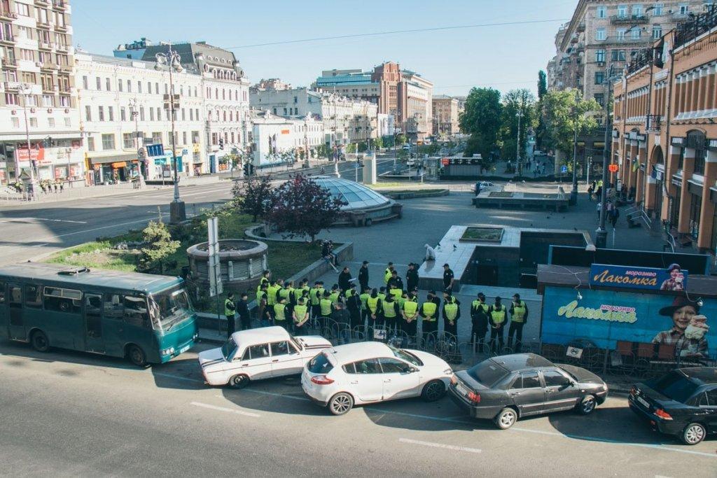 Сотни силовиков стянули в центр Киева