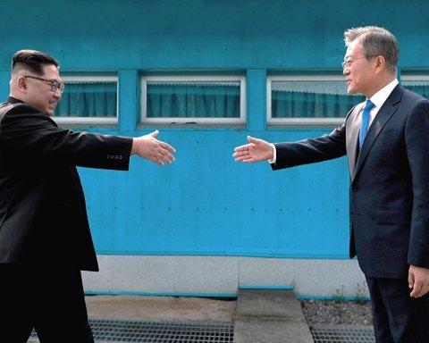 Лидеры двух Корей обсудили подготовку ко встрече с Трампом