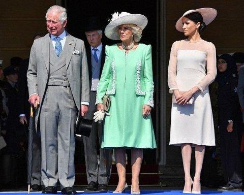 Дружина принца Чарльза здивувала яскравим вбранням на річницю чоловіка