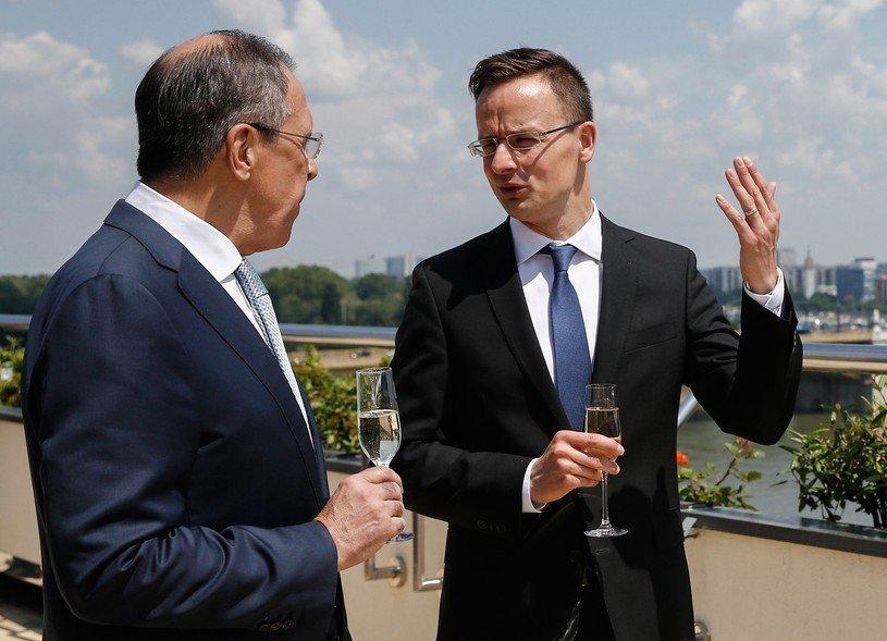 """РФ підтримала Угорщину у """"мовній суперечці"""" з Україною"""