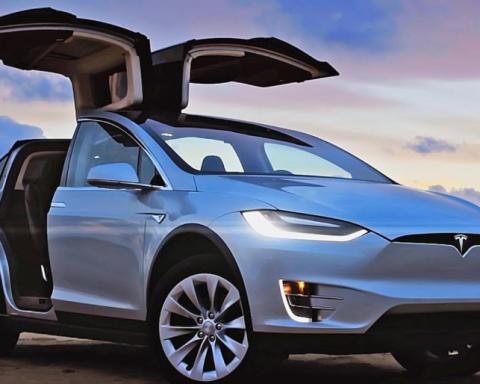 Три Tesla і мільйони готівкою: оприлюднили декларацію головного податківця Одеси