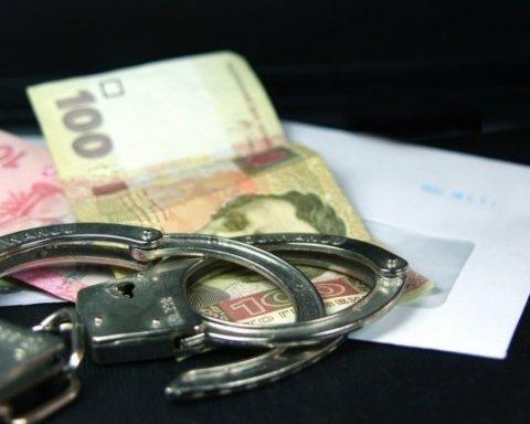 Наркоторговец пытался подкупить начальника полиции на Тернопольщине