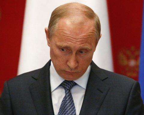 В Кремле нашли оправдание падающему рейтингу Путина